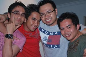 Ang trademark pose